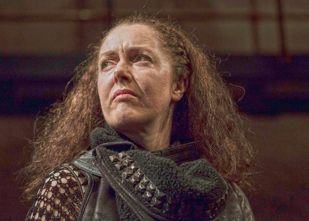 Derbhle Crotty as Henry IV in DruidShakespeare photo by Matthew Thompson