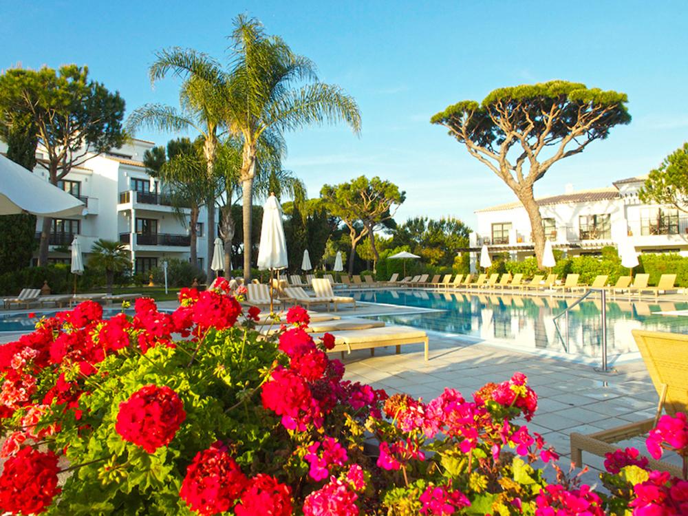 swimming pool Algarve, luxury vacation Portugal