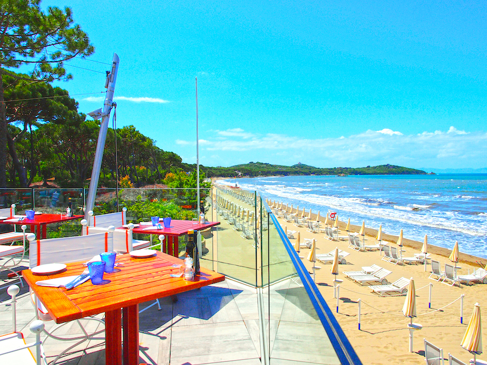 La Spiaggia restaurant Italy, beach restaurants in Tuscany