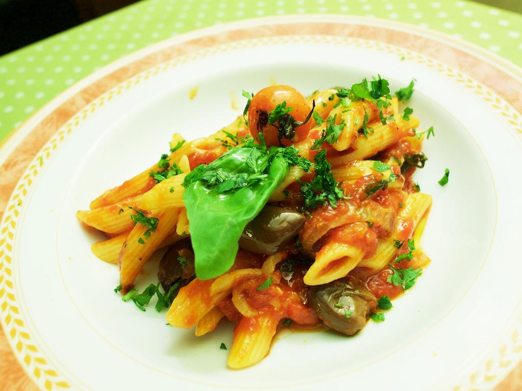 traditional Italian food, Mediterranean pasta dish
