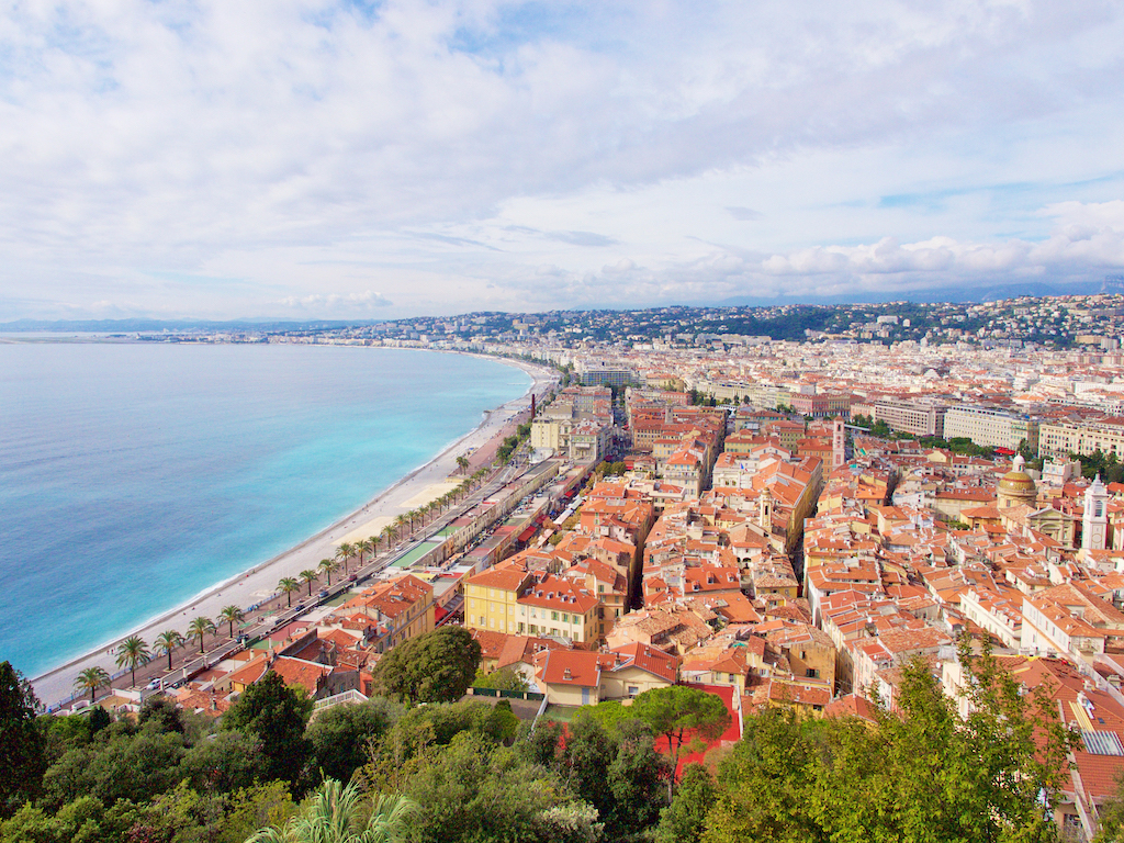 Nice Bay of Angels, Belle-Epoque and Turin-style villas