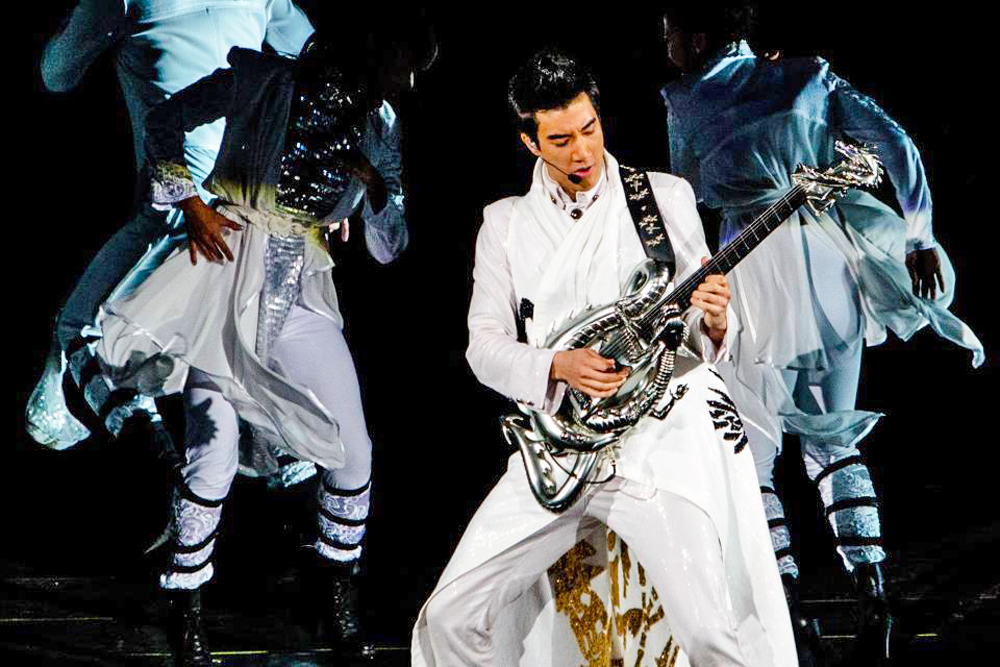 Wang Leehom, Bahamut guitar