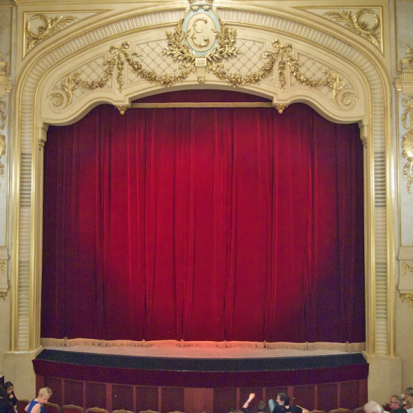 Paris theatre, English language events in Paris
