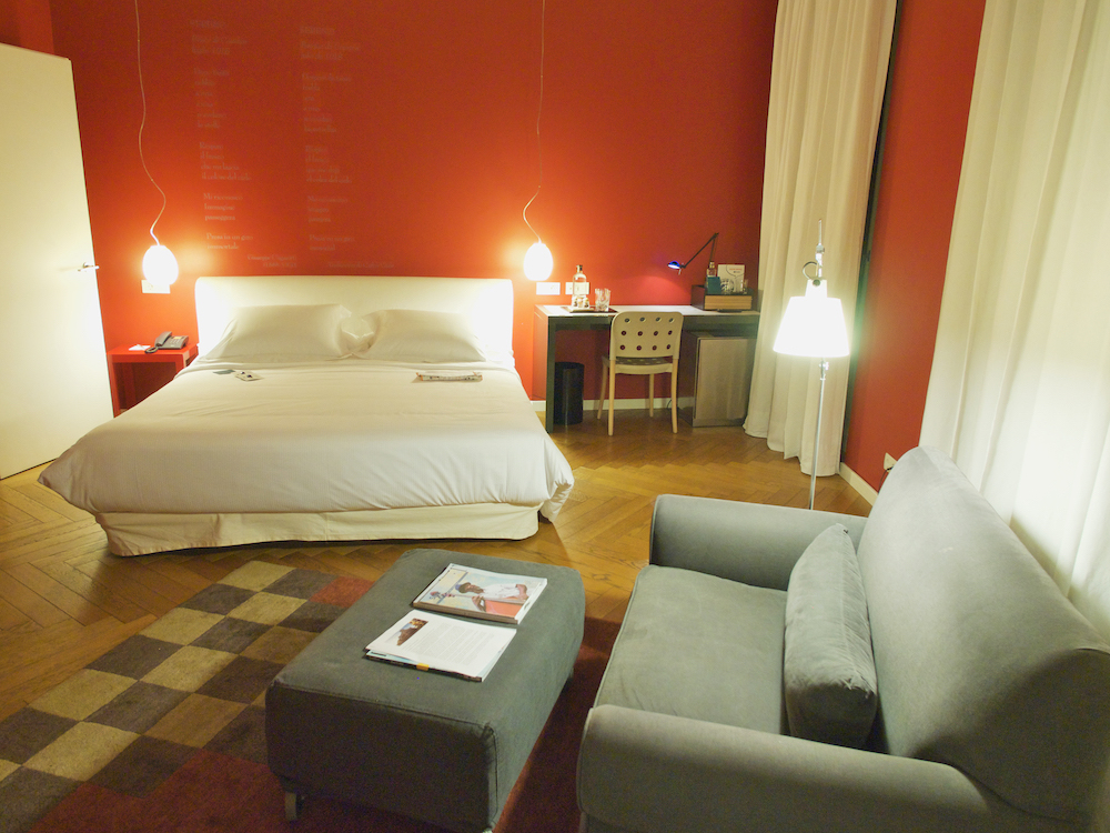 luxury hotels madrid, las letras gran via madrid