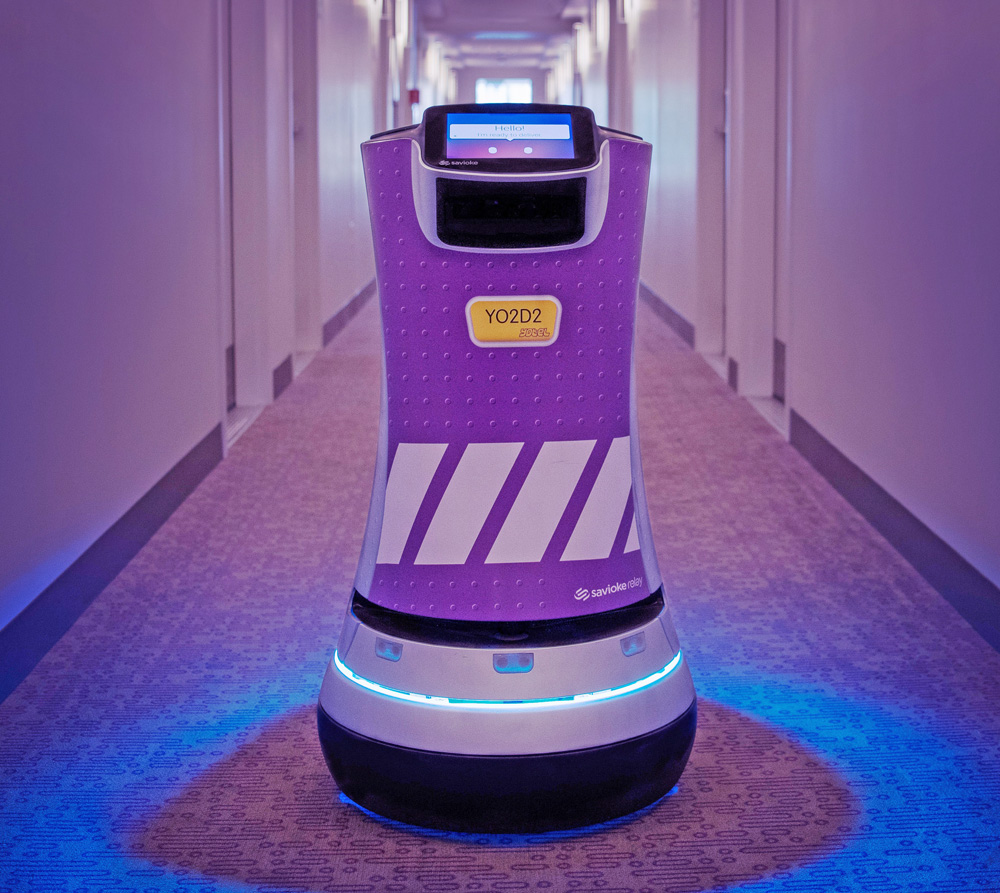 YOTEL Boston YO2D2, Savioke robots, airport hotels