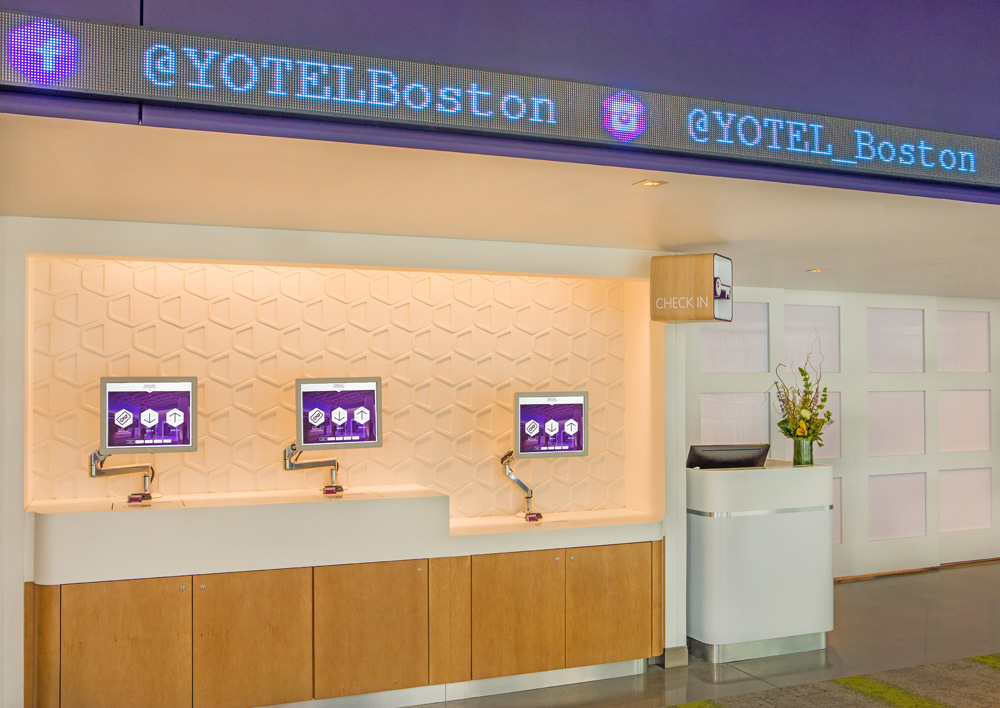YOTEL Boston check in, new techno hotels, robots in hotels