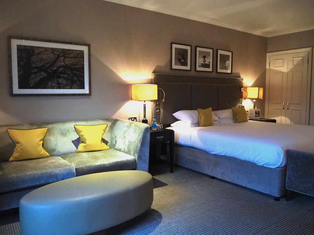 luxury resorts surrey, foxhills resort and club