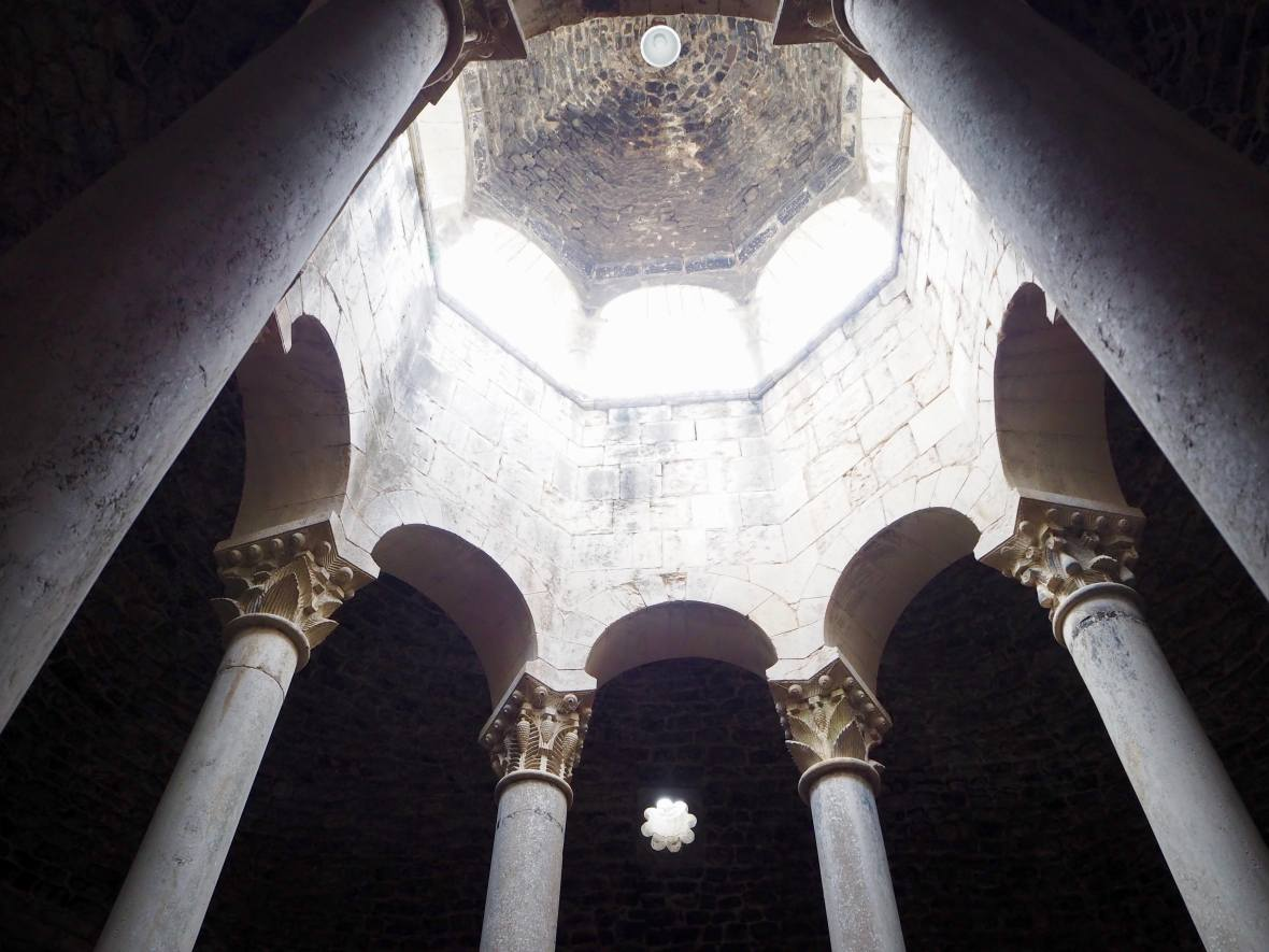Roman bath in girona, visit costa brava, what to do in girona