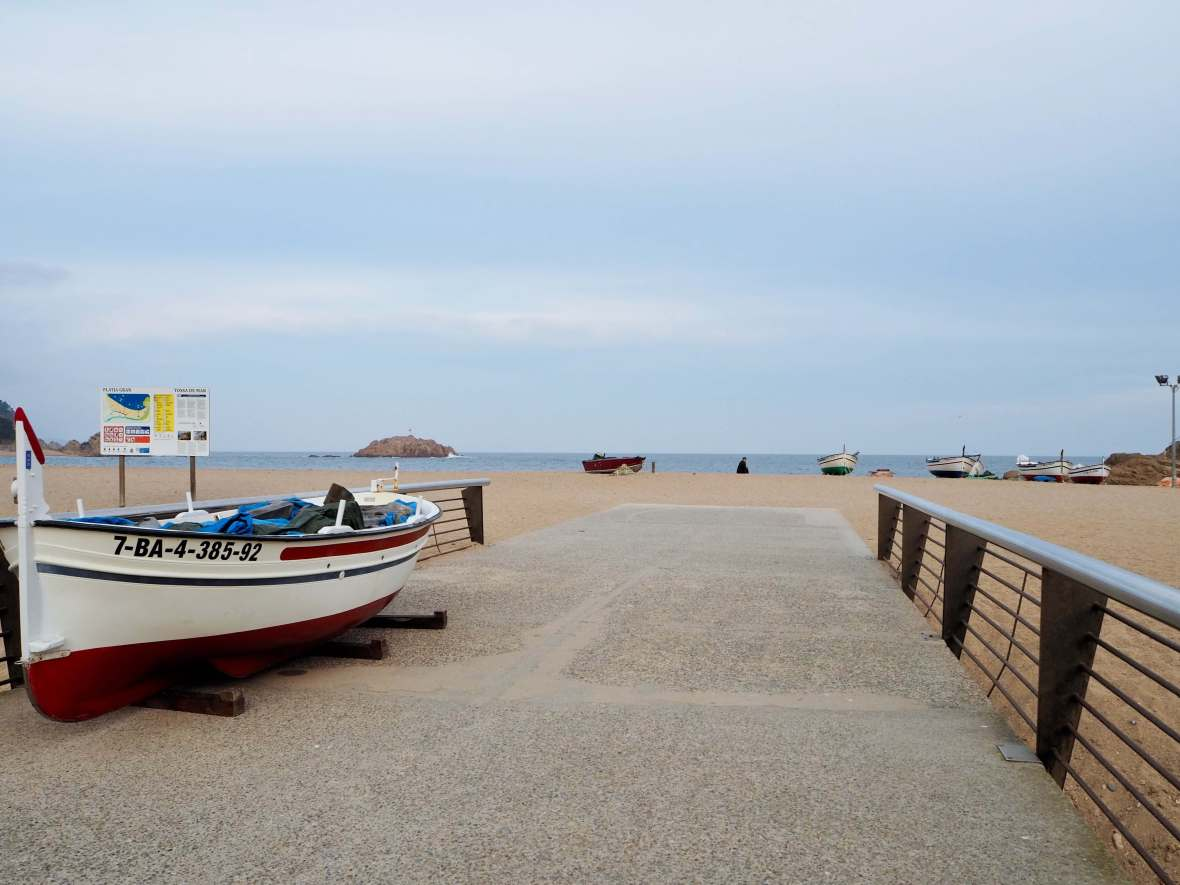 Day trip to girona, costa brava resorts,