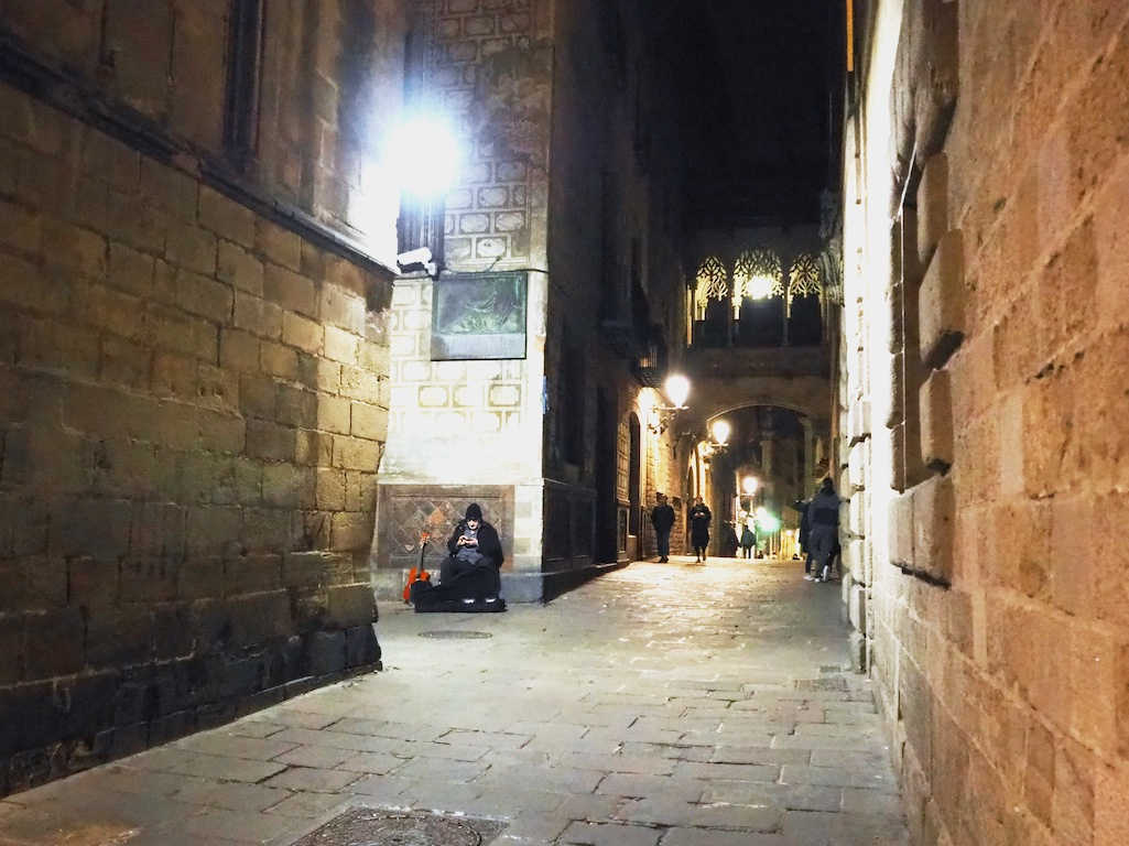 night tour barcelona, hidden treasures of barcelona