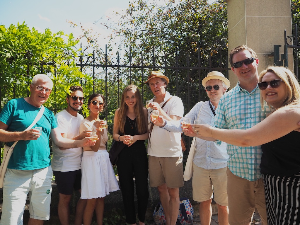 wine tours in Paris, Paris vineyards, take a walk on the vine side