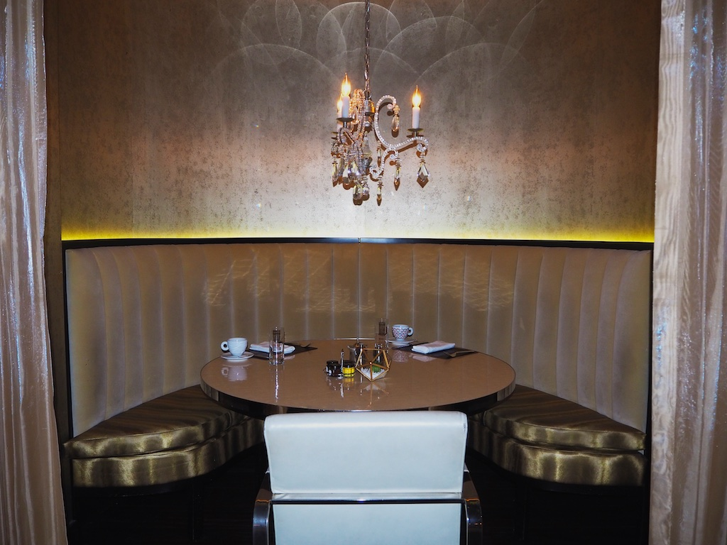 alhambra restaurant washington dc, where to dine near white house dc
