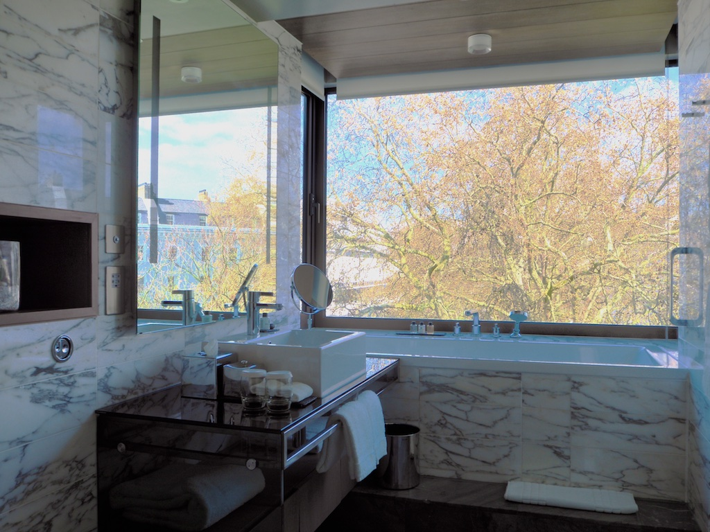 luxury bathroom the hari, the hari lodon, bathrooms with a view, bathrooms of belgravia