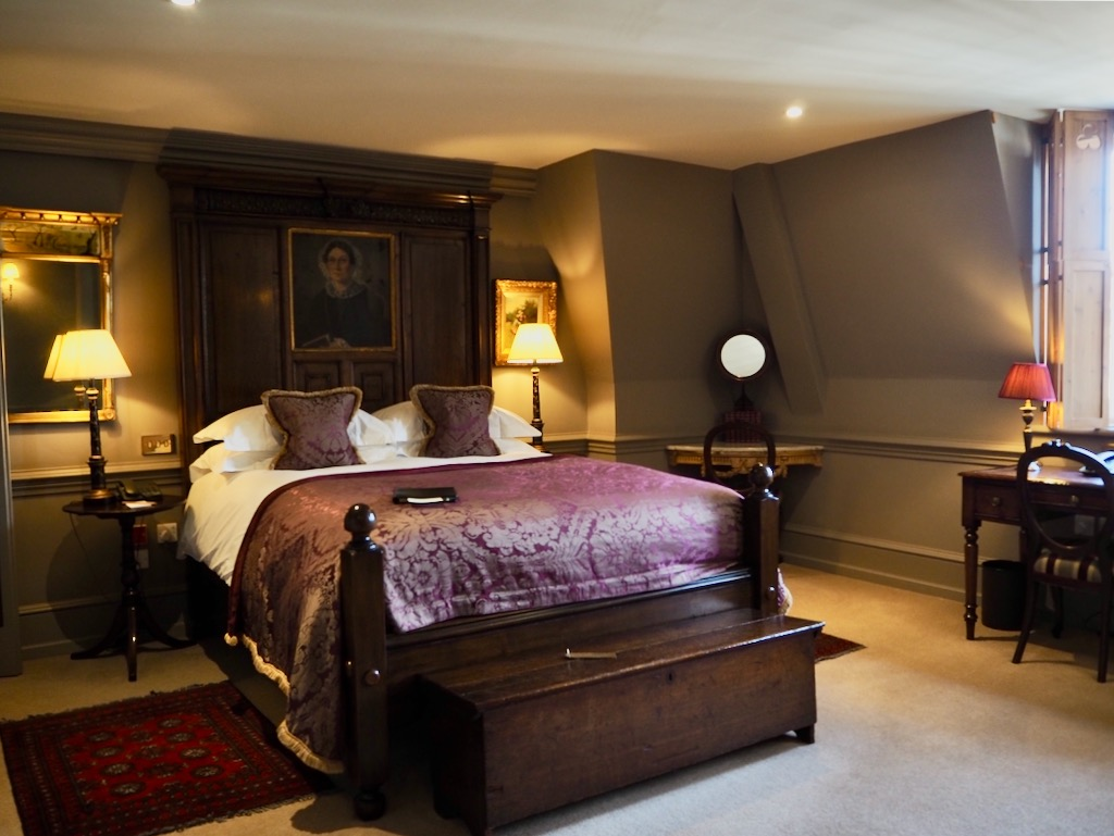 boutique hotels london, best luxury hotels in london during christmas