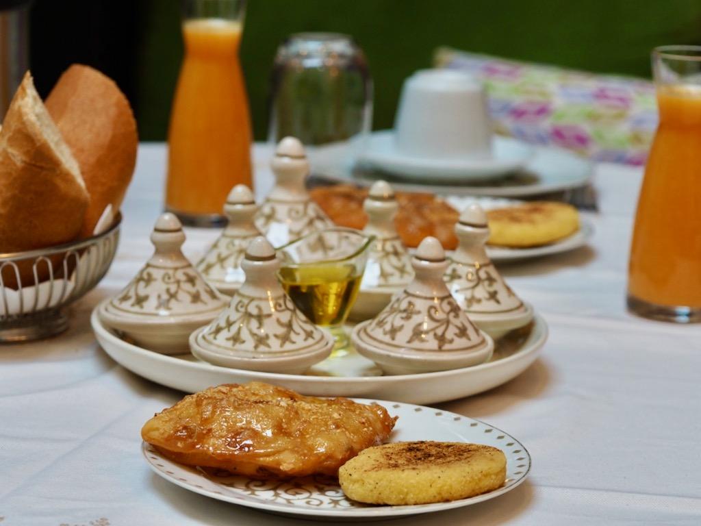 gourmet breakfast in fez, le grand alcazar riad