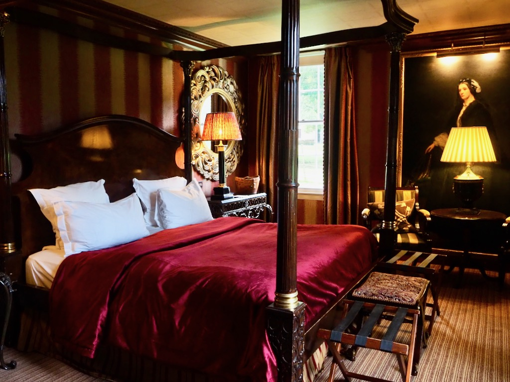 prestonfield house edinburgh, where to stay in edinburgh